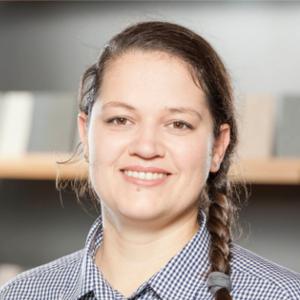Portraitaufnahme von Gartenberaterin Katja Beiler.