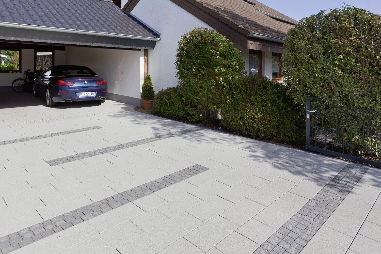Hof und Einfahrt gestalten   mit Steinen von Rinn Beton