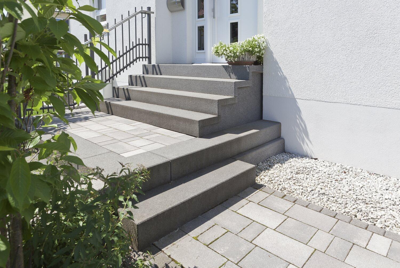 hauseingang treppe modern