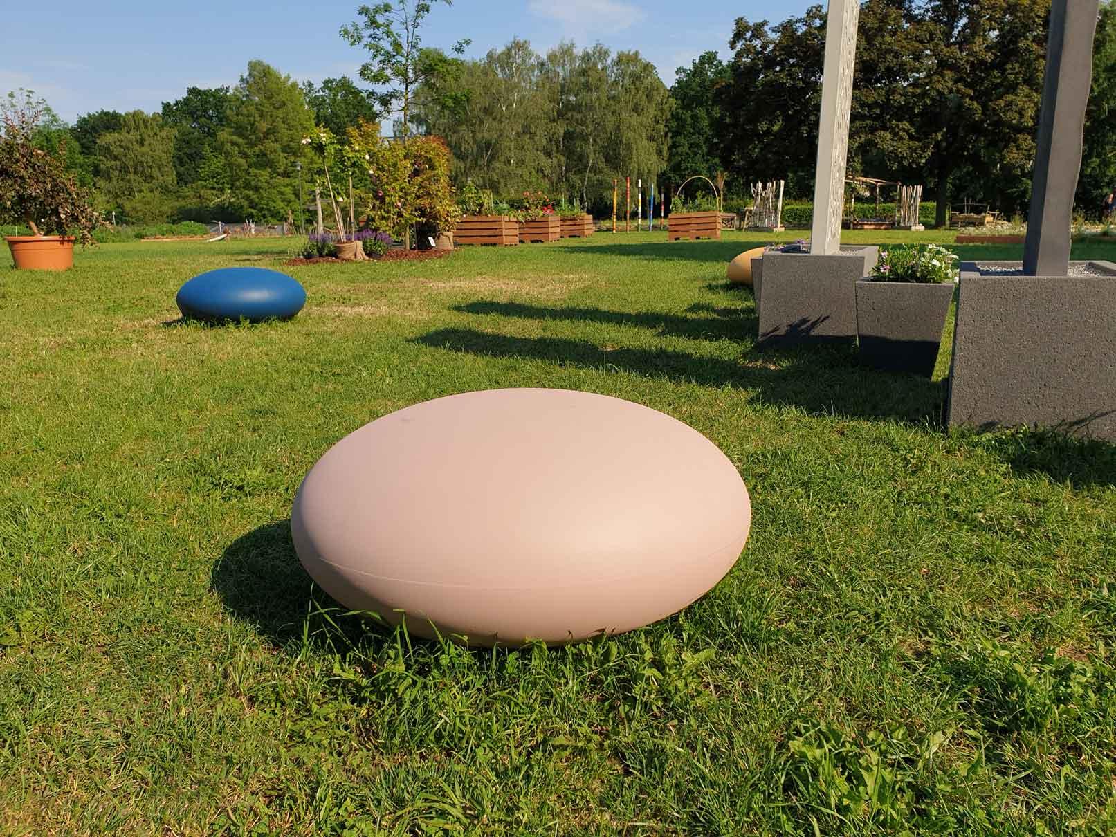 Modernes Designelement von Rinn - unser runder Hocker Pill.